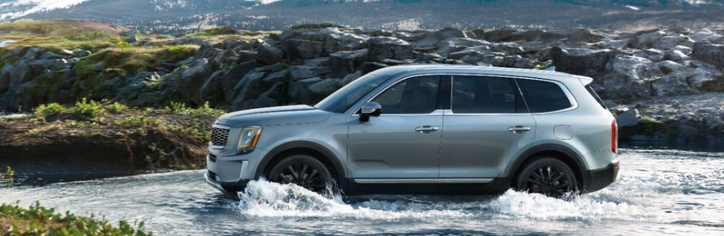 2020 Kia Telluride blue side view