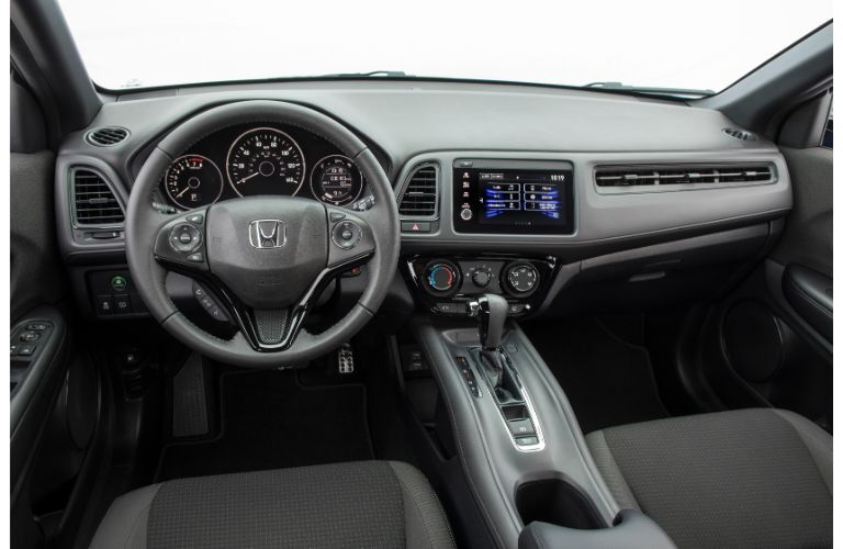 2020 Honda HR-V Sport interior shot of steering wheel, tranmission, and dashboard