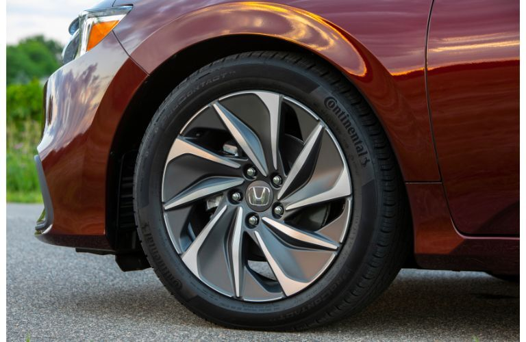 2020 Honda Insight exterior closeup shot of alloy wheel design and tire
