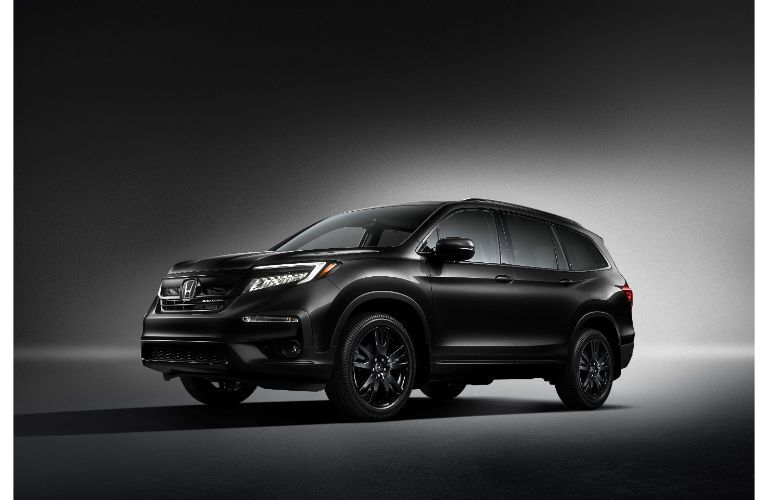 2020 Honda Pilot Black Edition exterior showcase shot