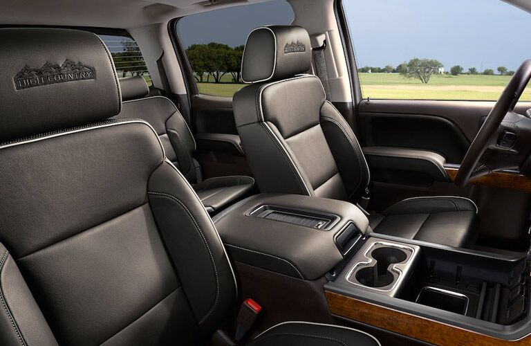 Side view of the front seats in the 2018 Chevy Silverado