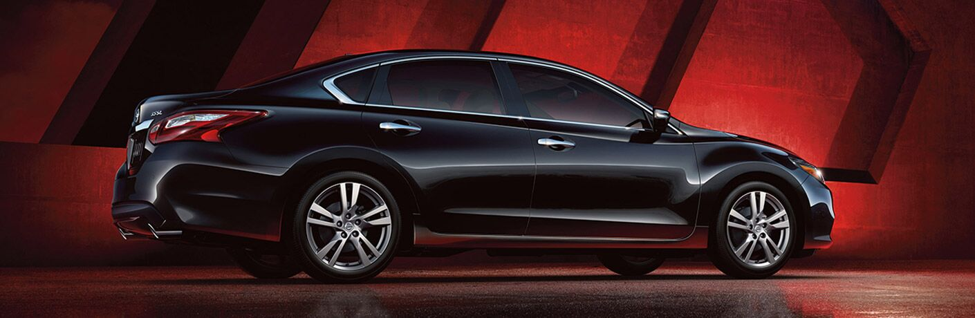 Black 2016 Nissan Altima