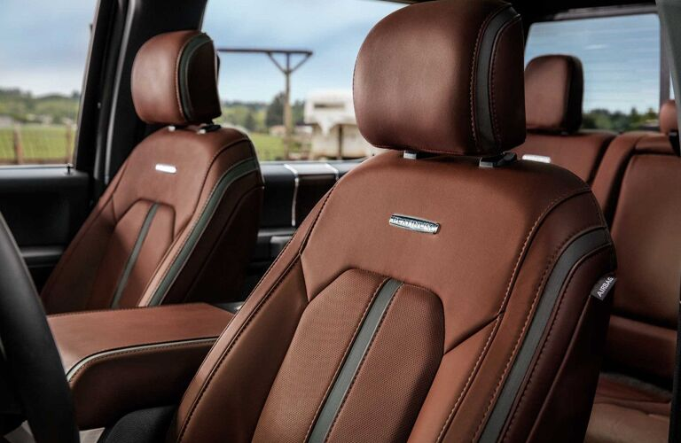 2018 Ford F-350 Super Duty seating