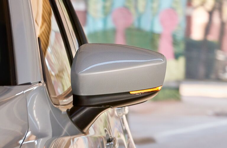 2019 Toyota Yaris side mirror blinker