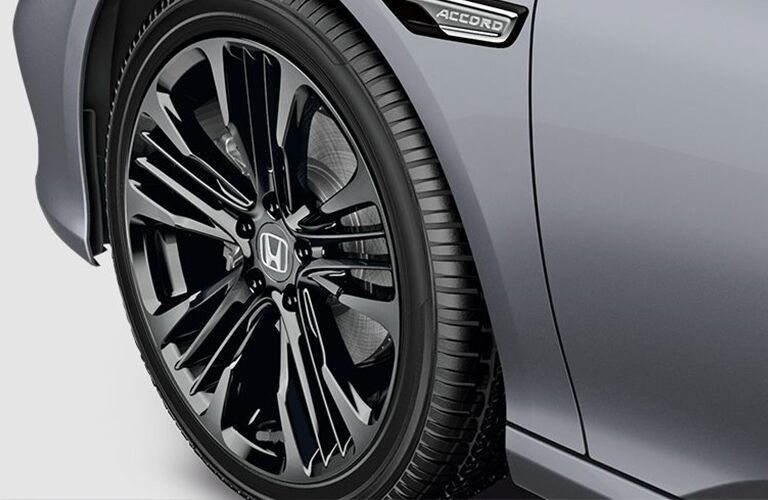 2018 Honda Accord EX-L Tire up close
