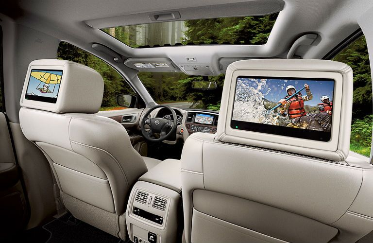2018 Nissan Pathfinder with Tri-Zone Entertainment System