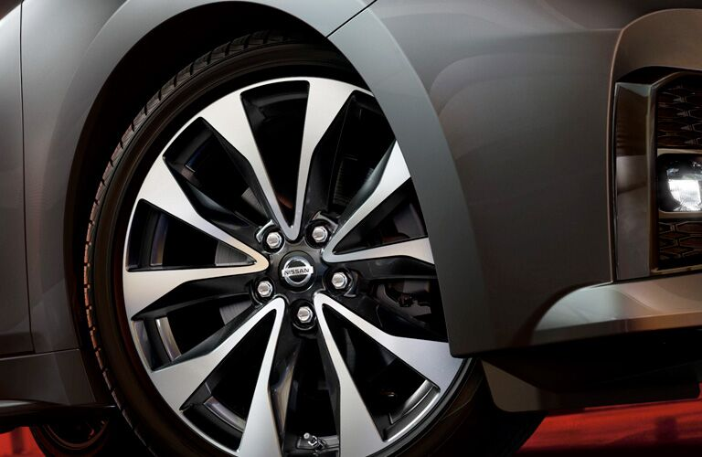 Closeup of wheel on 2019 Nissan Maxima