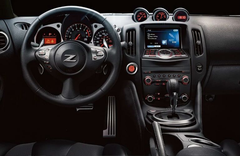 2019 Nissan 370Z Coupe steering wheel and center console