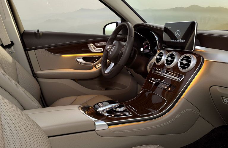 2018 Mercedes-Benz GLC tan interior with leather