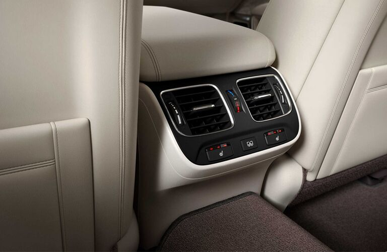 back air vents in the 2019 Acura RLX