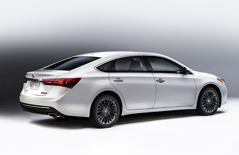 2016 toyota avalon white exterior back end taillights
