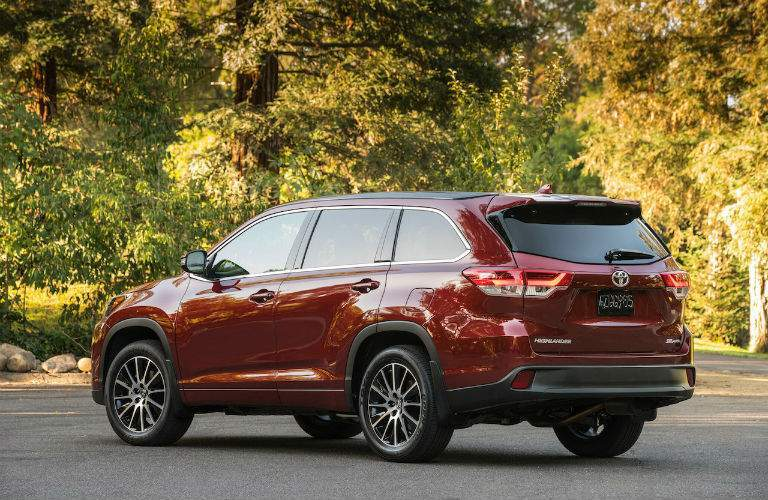 2018 Toyota Highlander Exterior Rear Profile