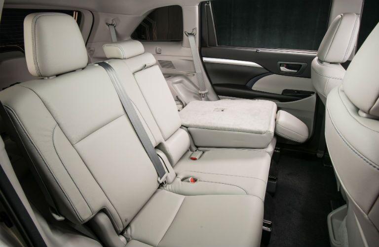 2019 Toyota Highlander Hybrid Interior Cabin Rear Seating