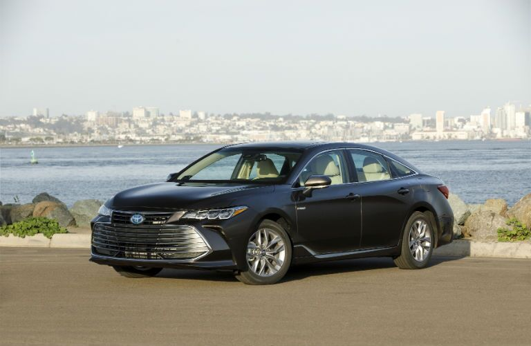 2019 Toyota Avalon Hybrid Exterior Driver Side Front Angle