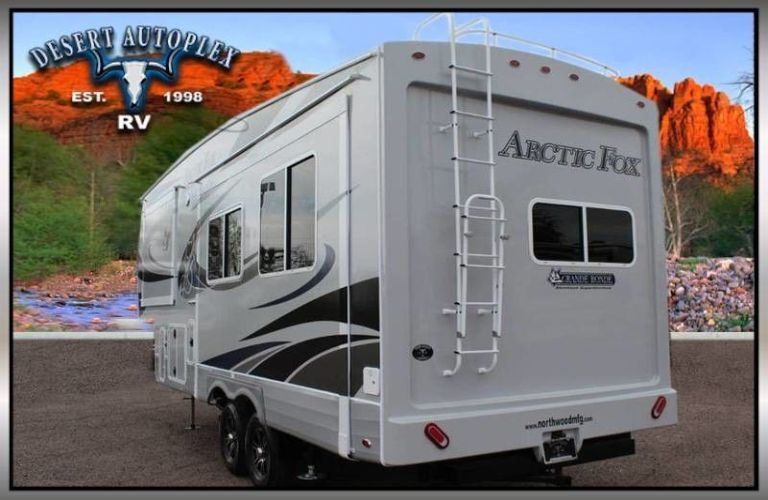 2020 Northwood Arctic Fox rear view and ladder