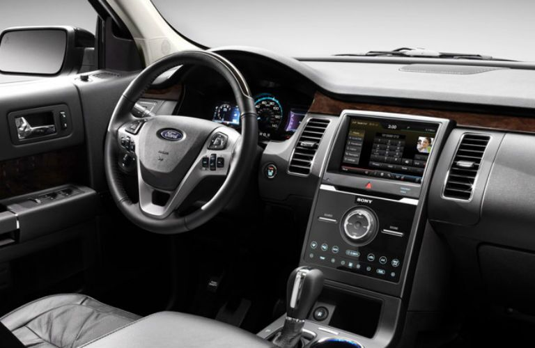 Driver's cockpit of the 2015 Ford Flex