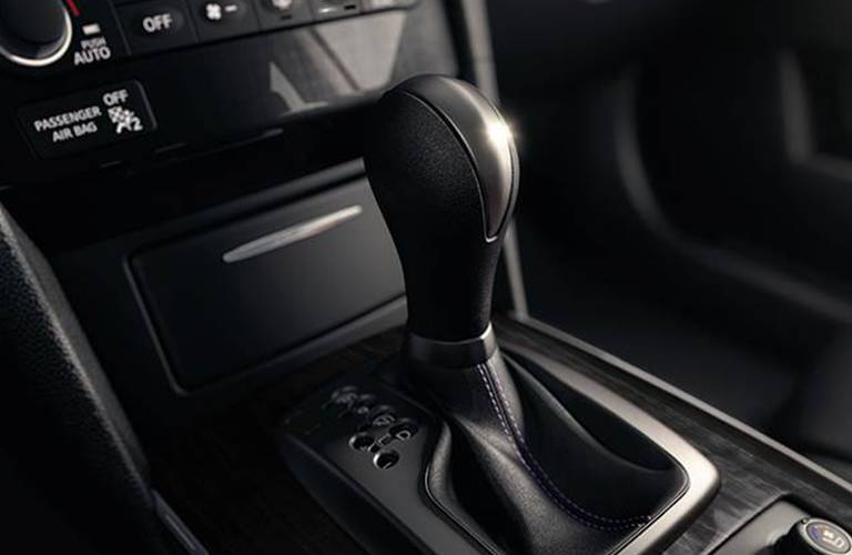 Shift knob of the 2015 INFINITI QX70