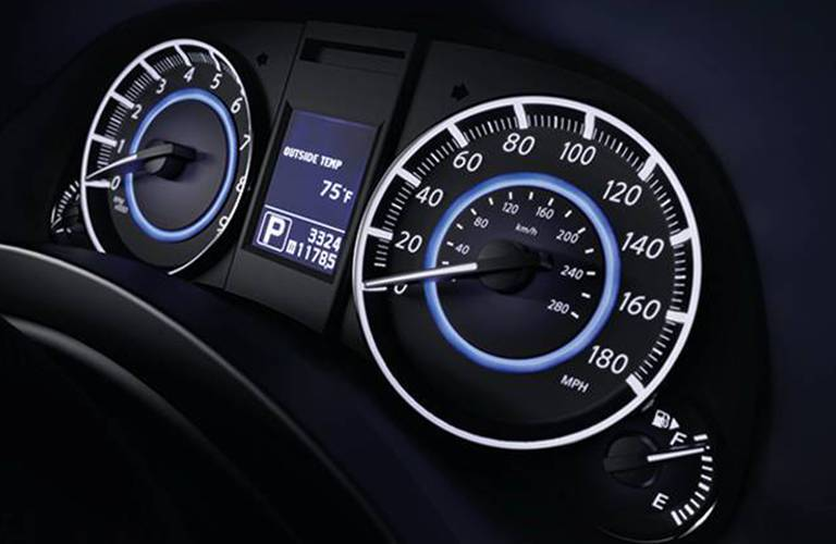 Driver information center of the 2015 INFINITI QX70