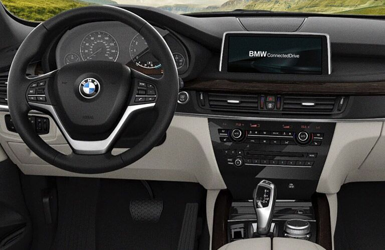 Driver's cockpit of the 2017 BMW X5