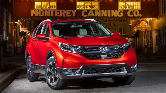The 2019 Honda Cr V Is Poised To Carry On Its Years Of Success But Not Without Some Tough Compeion New Toyota Rav4 Might Be Giving A Run