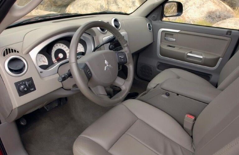 Front row seats in the 2007 Mitsubishi Raider