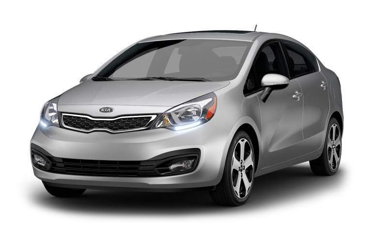 Front view of the 2014 Kia Rio with a white background