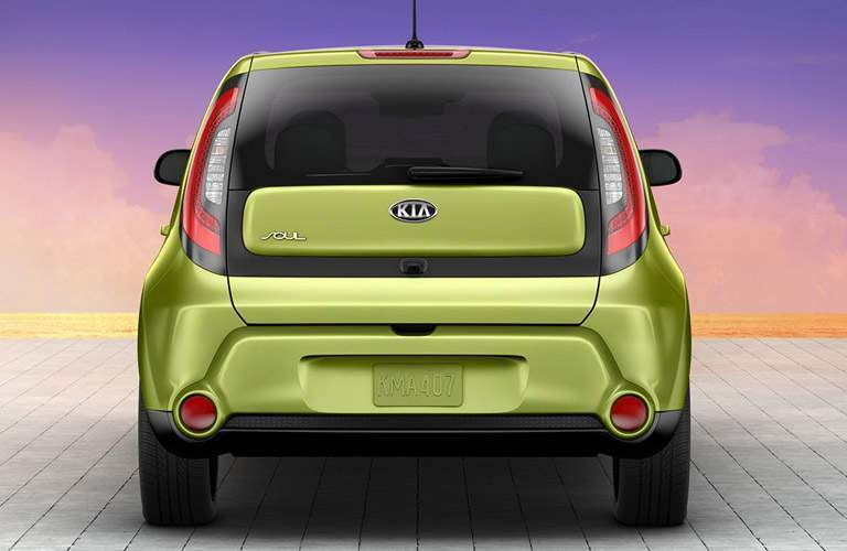 Rear profile of the 2016 Kia Soul in front of a sunset