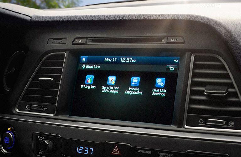 Hyundai Sonata 8-inch touchscreen infotainment system