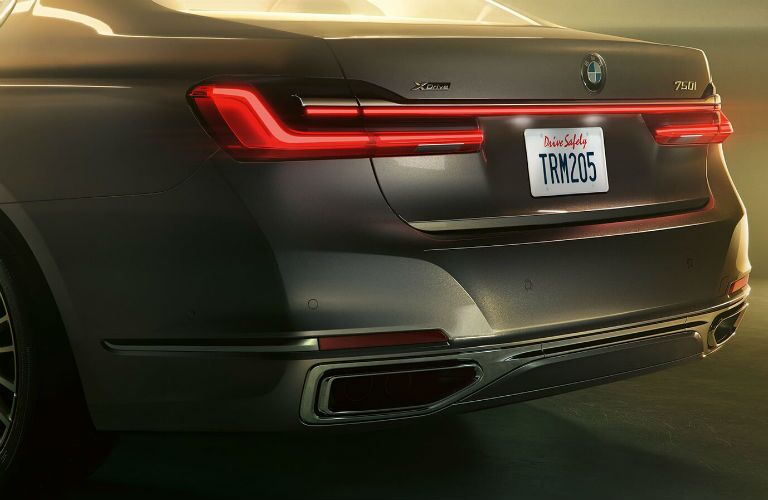 2020 BMW 7 Series close up of rear fascia driver side