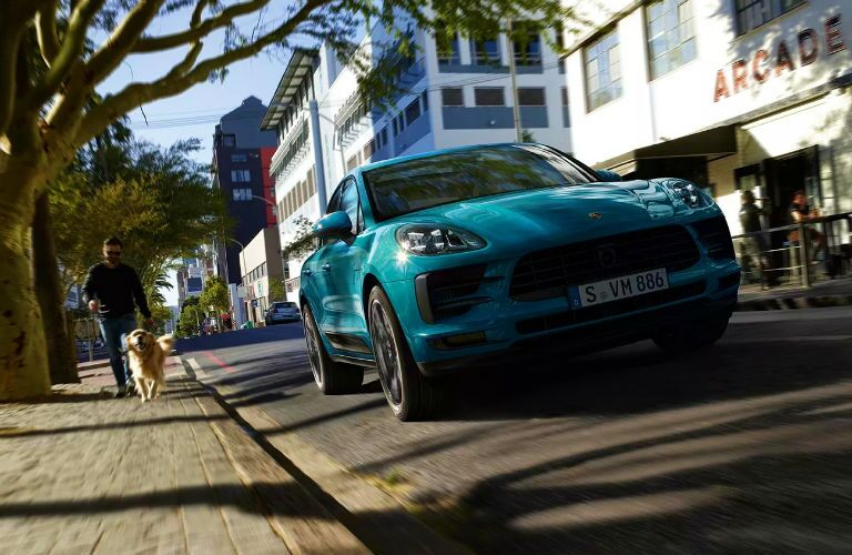 2019 porsche macan s in city