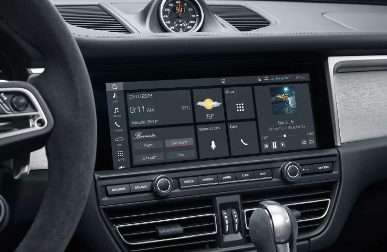 close up of infotainment unit in 2019 porsche macan