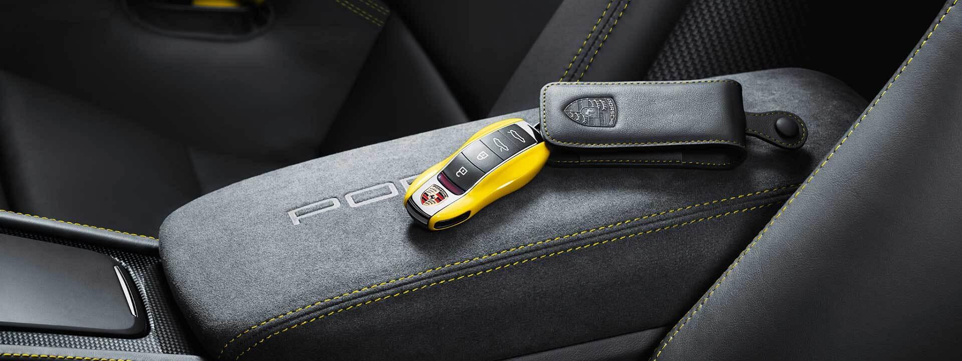 Porsche keys in Highland Park, IL