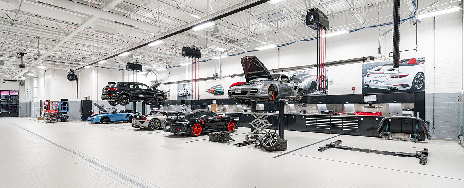Porsche Service Center near Highland Park, IL | Porsche Exchange
