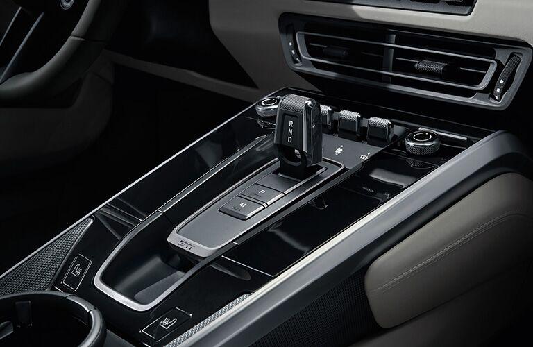 2020 Porsche 911 gear shift