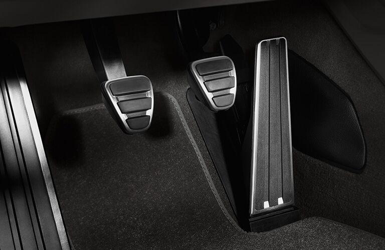 2019 Porsche 718 Cayman pedals