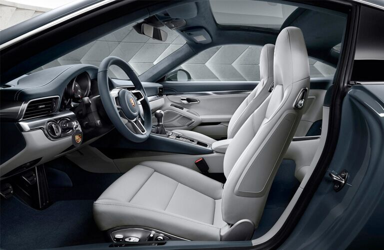 2018 Porsche 911 interior front seating