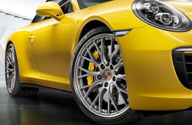 2018 Porsche 911 front wheel