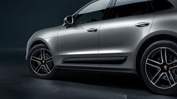 The sleek exterior of the 2019 Porsche Macan
