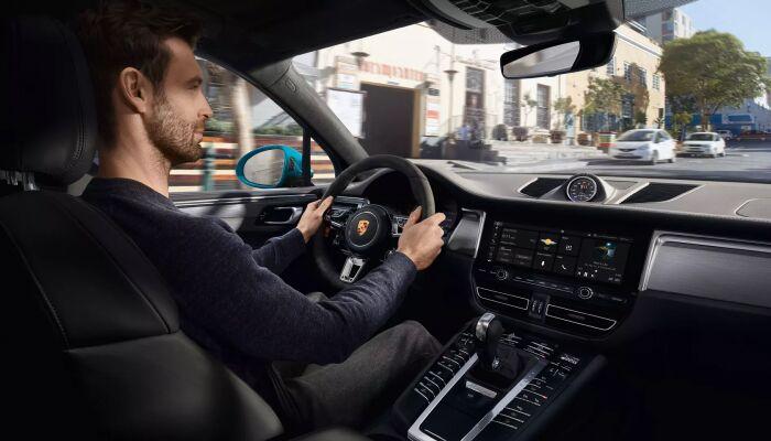 The spacious interior of the 2019 Porsche Macan