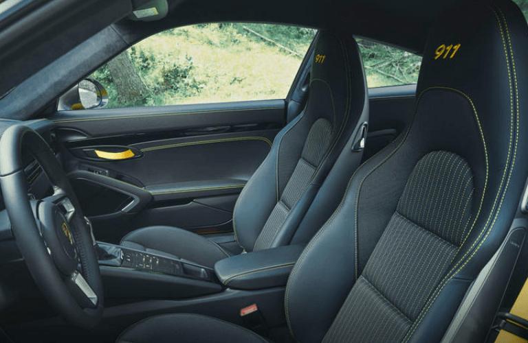 2019 Porsche 911 interior front