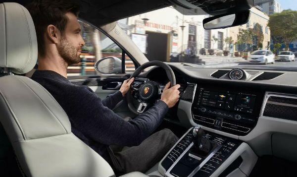 Loeber Motors 2018 Porsche Driverin Chicago, IL