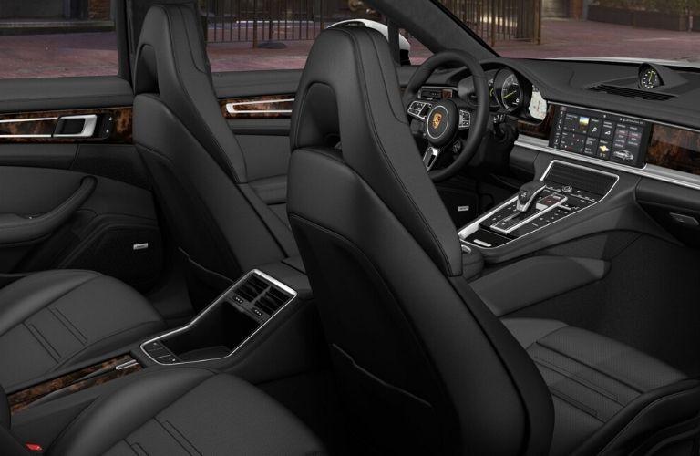 Inteior seats and dash of 2020 Panamera E-Hybrid