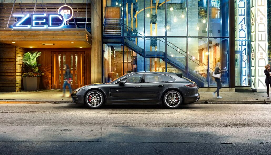 Loeber Porsche offers many specials towards purchasing a new Porsche in Golf, IL