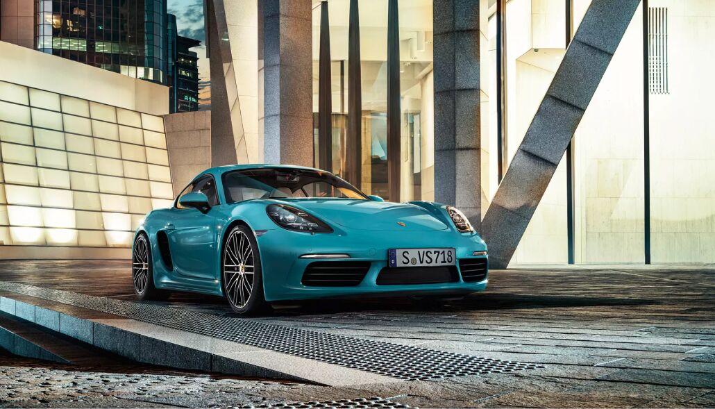 Loeber Porsche has a large inventory of new Porsche vehicles near Kenilworth, IL