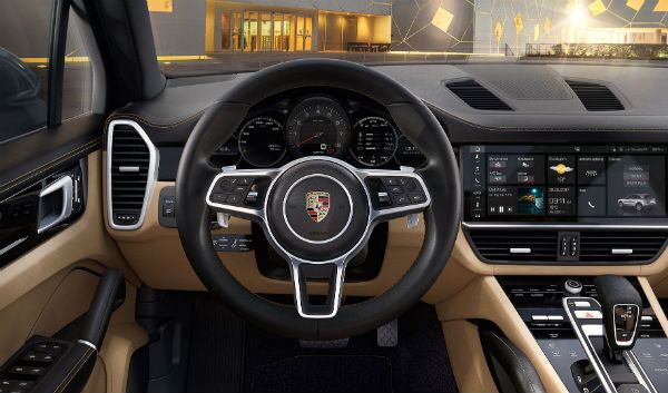 2019 Porsche Cayenne Interior Drivers view Dash Skokie, IL