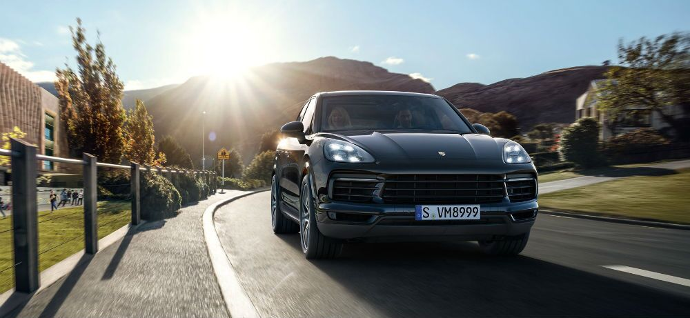 2019 Porsche Cayenne Or Range Rover Sport Which Is The Best For Residents Of Skokie Il