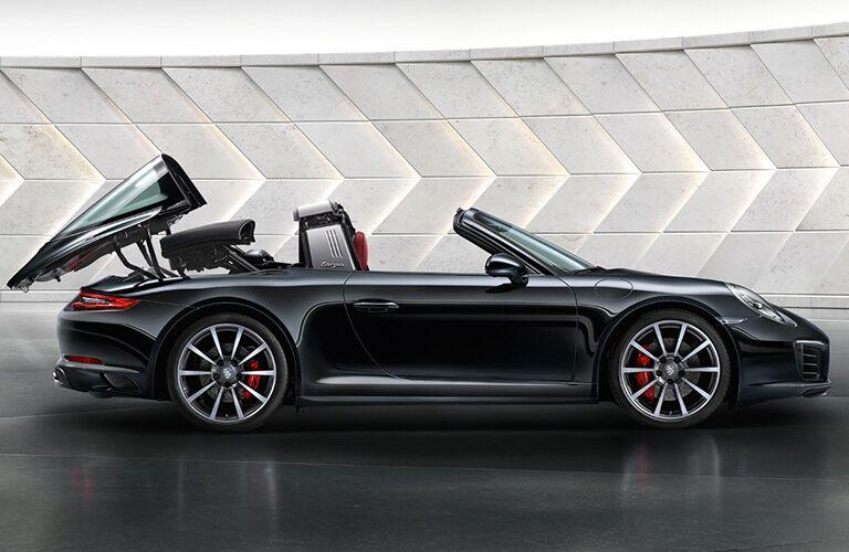 2018 Porsche 911 Targa exterior profile
