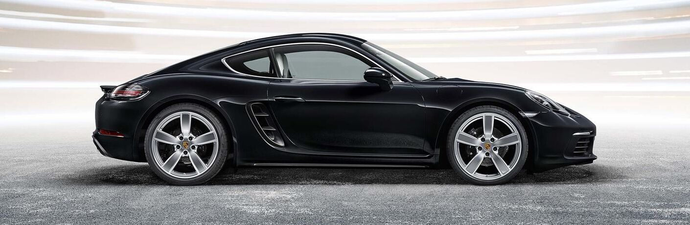 2020 Porsche 718 Cayman GT4 exterior profile
