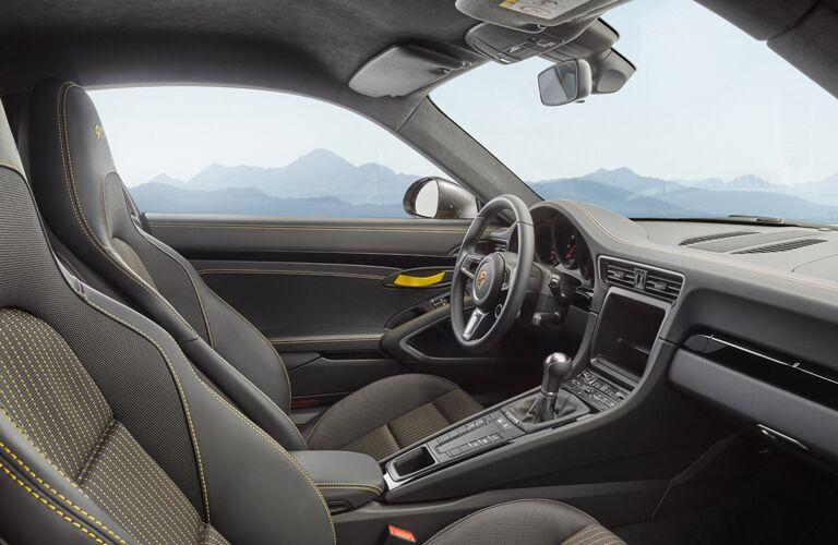 2019 Porsche 911 Turbo front interior