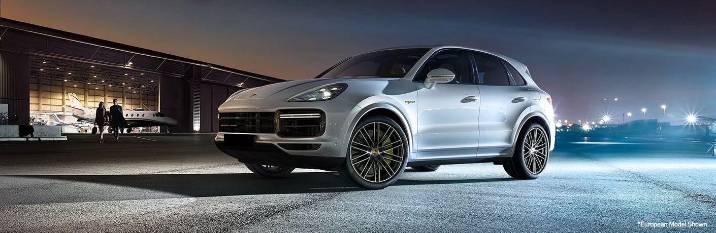 2020 Porsche Cayenne exterior profile